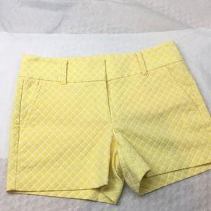 Ann Taylor yellow diamond Bermuda shorts size 6